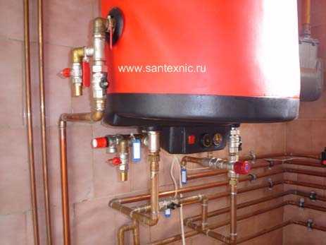 Монтаж обвязки водогрейного бойлера индивидуальной системы горячего водоснабжения дома.